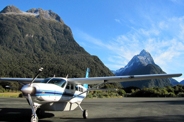 Milford-Sound-Scenic-Flight.jpg