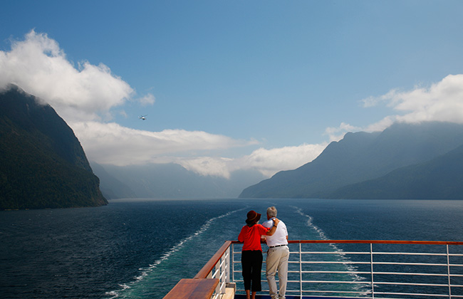 Top-New-Zealand-Attractions-milford-sound.jpg