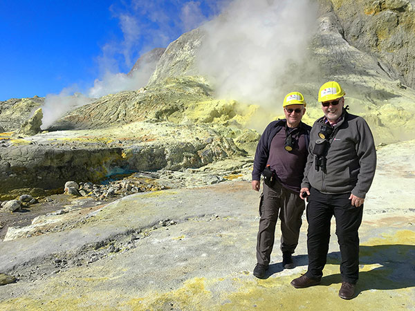 Hikers on the White Island volcano - New Zealand activities