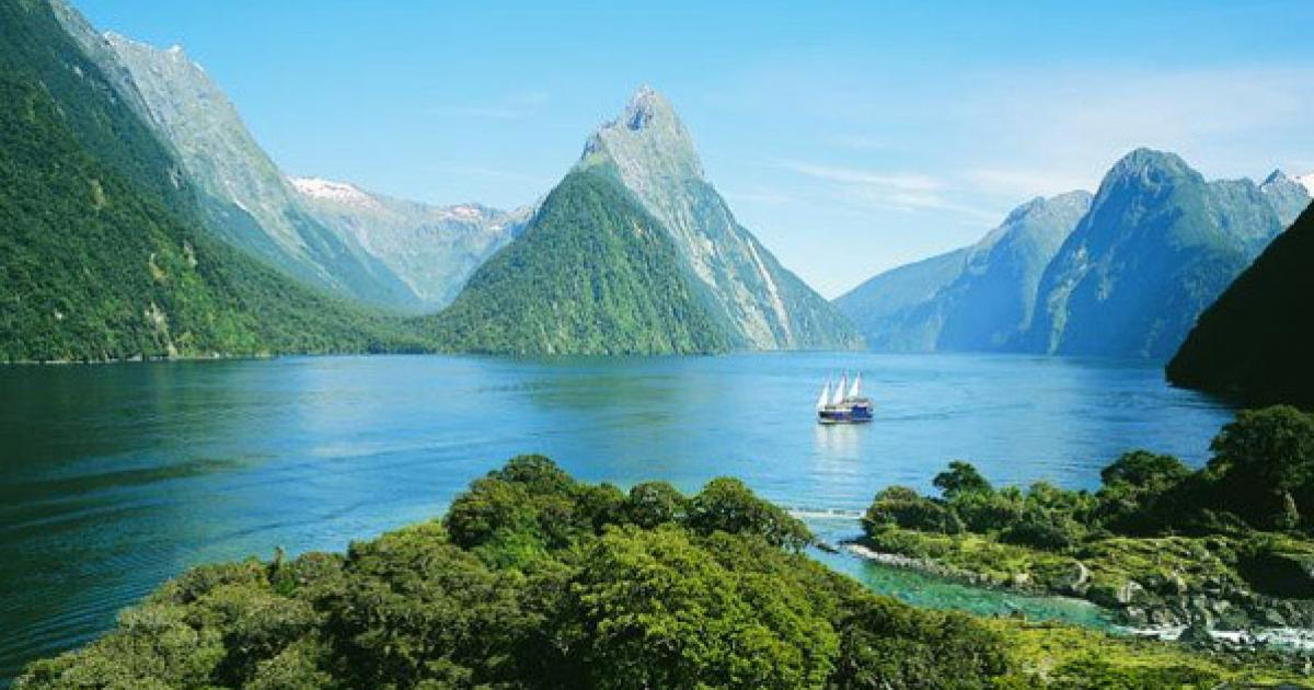 Milford Sound Travel Guide   MoaTrek New Zealand Tours