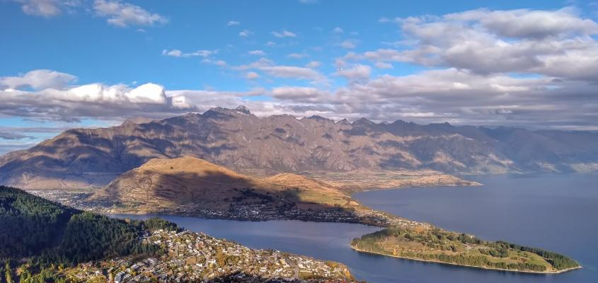 Views of Lake Wakatipu & the Remarkable mountains from the Queenstown Gondola