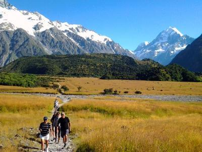Walking in sunshine at Mt Cook - MoaTrek