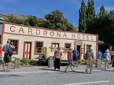 Small Group New Zealand Tours Cadrona Hotel