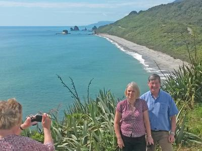 Small Group New Zealand Tours Strongman Memorial Lookout