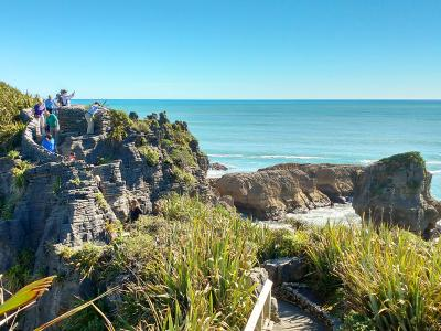 Walkers on the Punakaiki Pancake Rocks Walk
