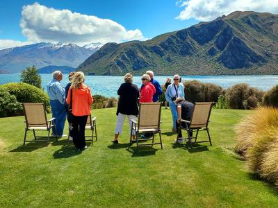 Stay lakeside in Wanaka