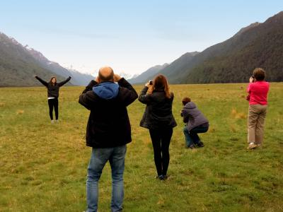 Photo time in the Eglinton Valley on the Milford Road - NZ Sightseeing