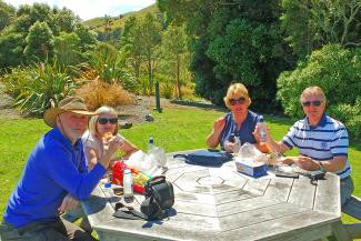 Picnic Lunch in the Garden - MoaTrek Tour Review Jim Thelwell