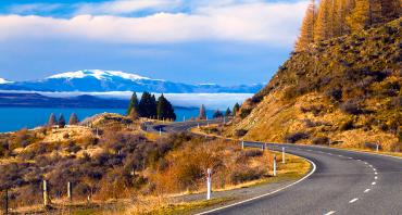 Mountain road around Lake Pukakai - Driving in New Zealand