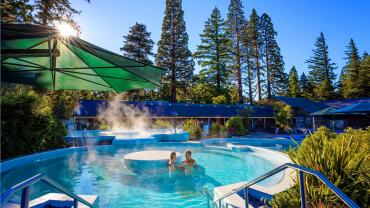 Outdoor hot pools, Hamner Springs - Relaxing Tours of NZ