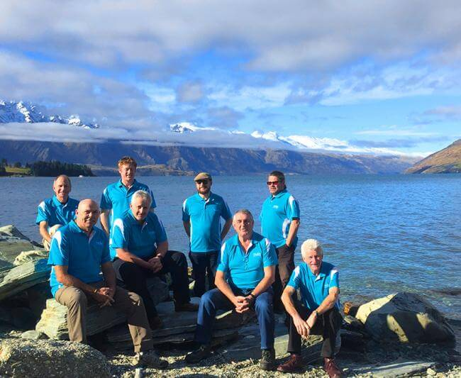 MoaTrek Kiwi Guide team by Lake Wakatipu